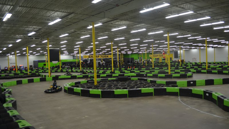 Indoor electric go kart race track, img1