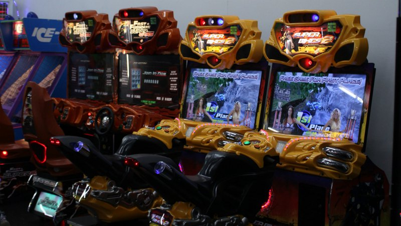 Twin Driving arcad Games